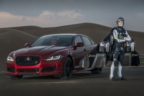 Race : une Jaguar XJR face au « Jetman »
