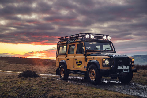 Land Rover présente le Defender Works V8 Trophy