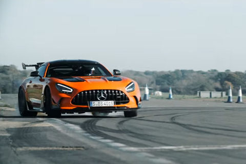 The Stig s'amuse au volant de la Mercedes-AMG GT Black Series