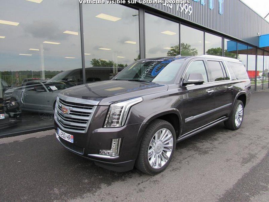 cadillac escalade iii 6 2 v8 409 ch platinum suv occasion 124 900 500 km vente de. Black Bedroom Furniture Sets. Home Design Ideas