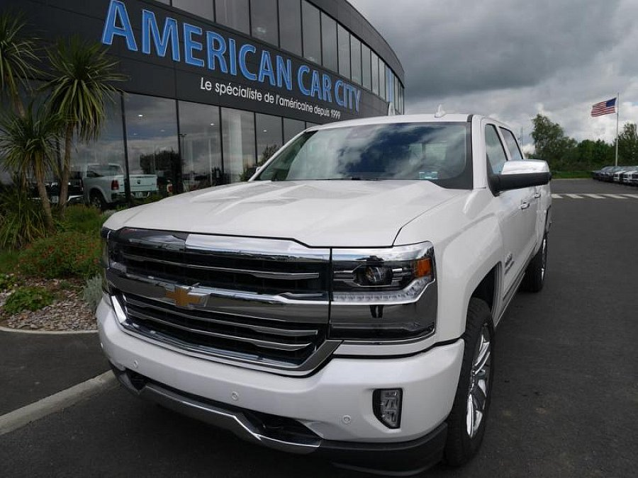 chevrolet silverado crewcab high country pick up occasion 79 900 200 km vente de voiture. Black Bedroom Furniture Sets. Home Design Ideas