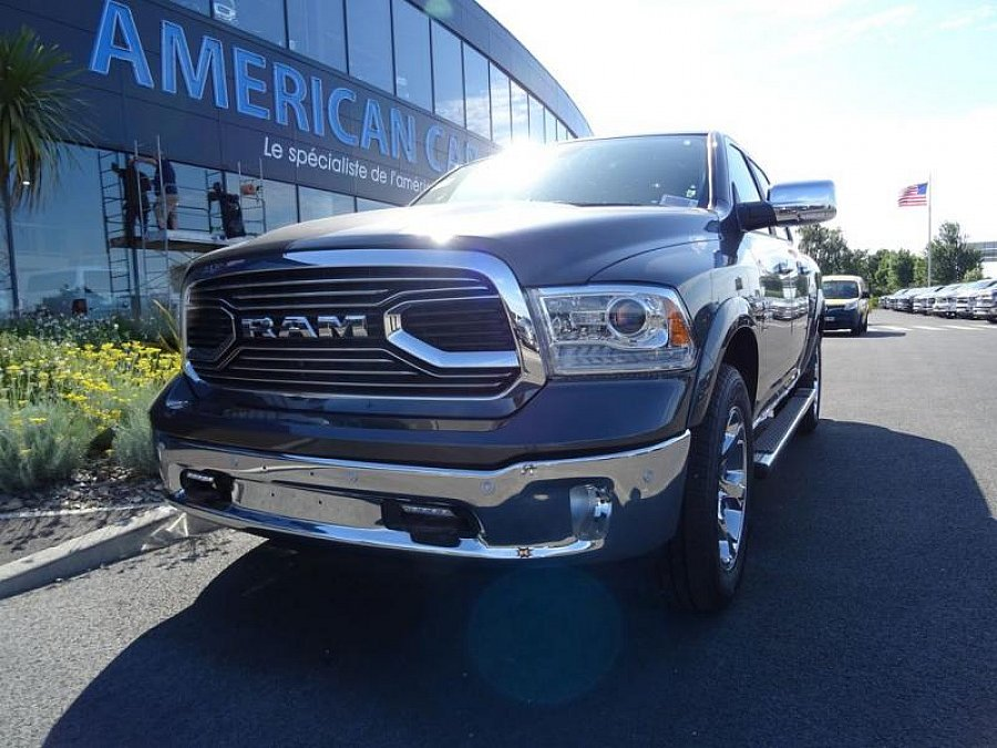 DODGE RAM pick-up occasion - 64 900 €, 500 km