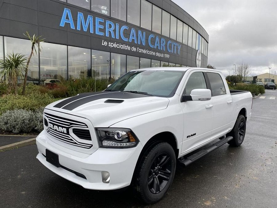 DODGE RAM pick-up occasion - 72 900 €, 500 km