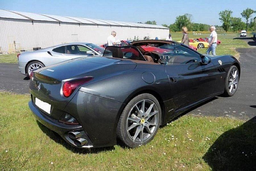 FERRARI CALIFORNIA 4.3 V8 460 ch coupé-cabriolet Gris ...