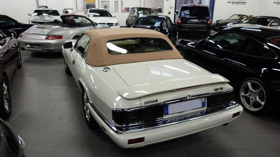 jaguar xjs 6 0 v12 cabriolet blanc occasion 41 990 116 122 km vente de voiture d. Black Bedroom Furniture Sets. Home Design Ideas