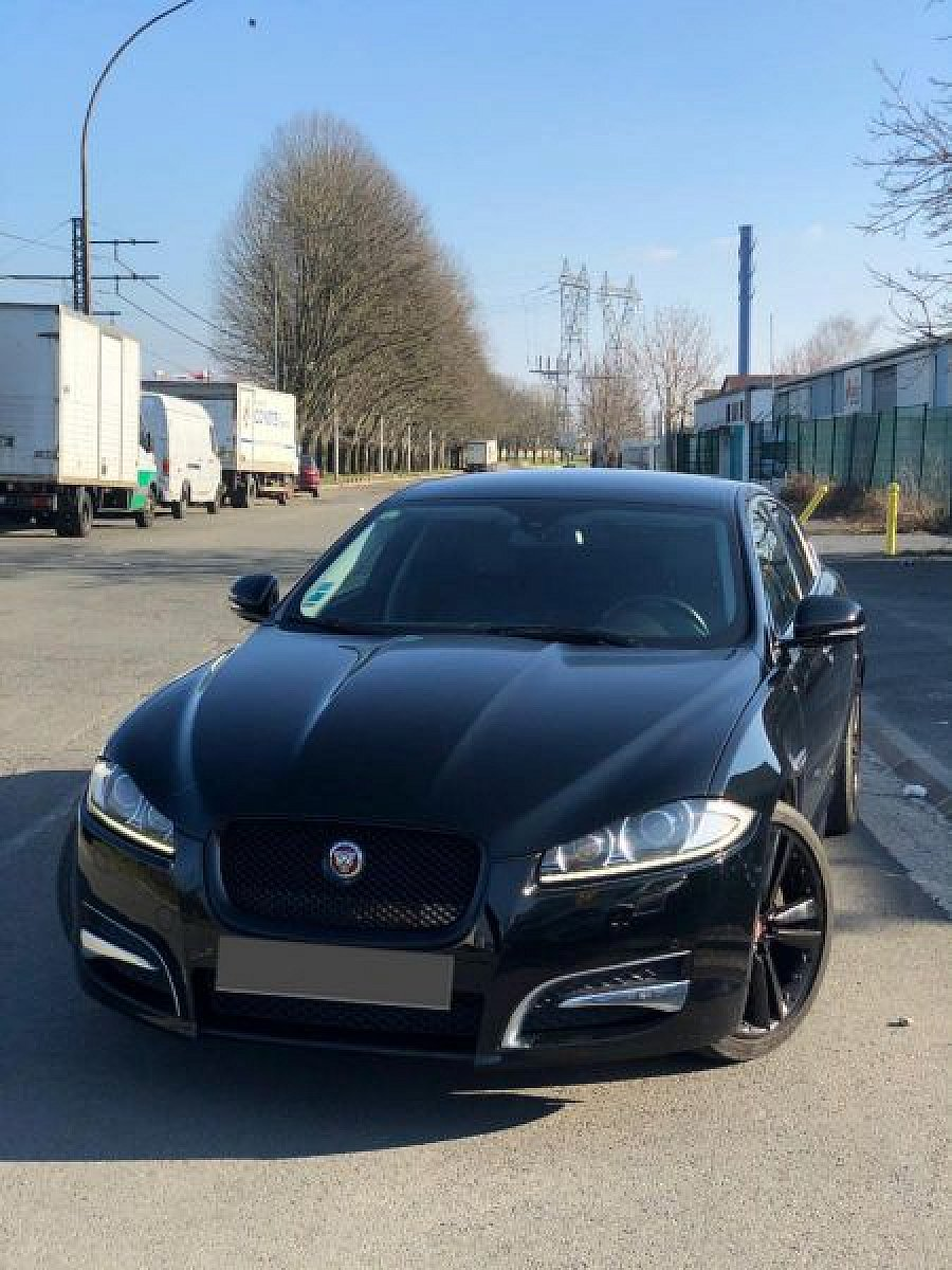 JAGUAR XF II 20t 200 ch British black edition berline Noir occasion - 18 500 €, 138 000 km