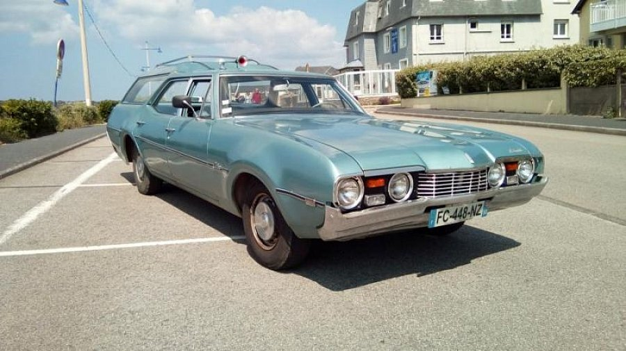 OLDSMOBILE VISTA CRUISER break Bleu occasion - 13 000 €, 999 999 km