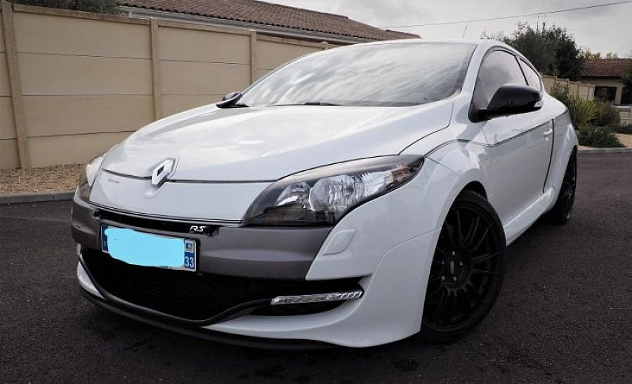 RENAULT MEGANE III RS 2.0T 265 ch STAGE 2  PREP MOTEUR coupé Blanc occasion - 23 500 €, 37 500 km