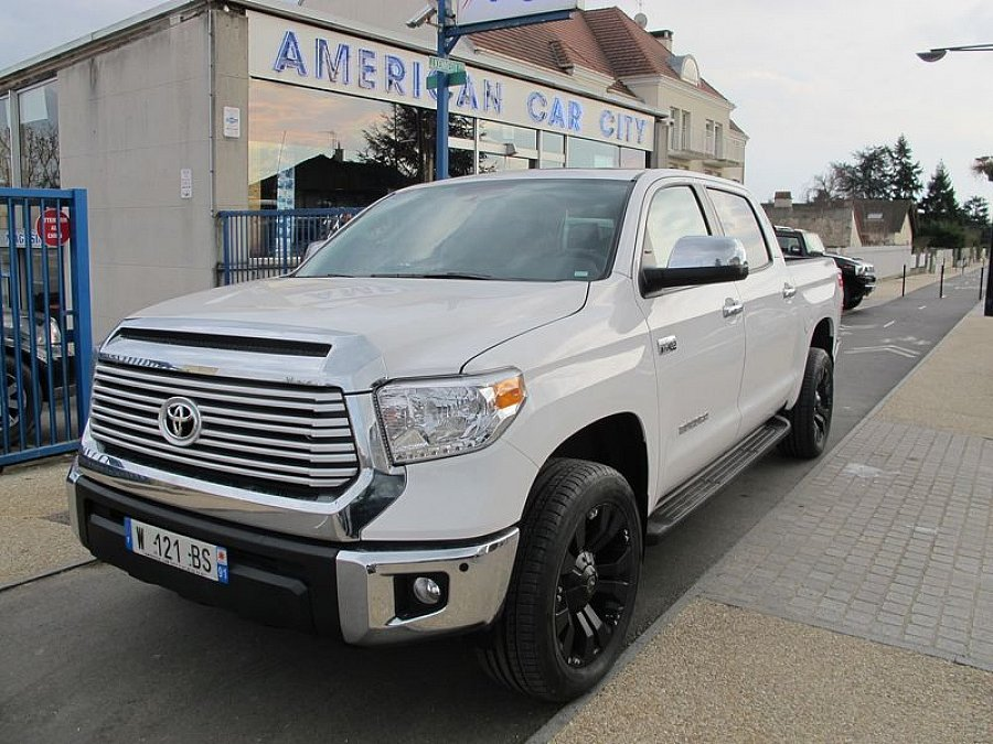 toyota tundra 5 7 v8 crewmax limited pick up occasion 77 900 500 km vente de voiture d. Black Bedroom Furniture Sets. Home Design Ideas
