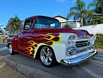 CHEVROLET APACHE pick-up Rouge