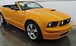 FORD MUSTANG V (2005-14) Serie 1 GT cabriolet Orange