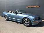 FORD MUSTANG V (2005-14) Serie 1 GT cabriolet Bleu clair