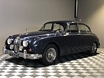 JAGUAR MARK 2 3.8 berline Bleu
