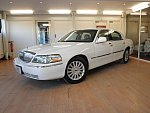 LINCOLN TOWN CAR 4.6 SIGNATURE SERIES berline Blanc