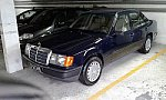 MERCEDES W124 300E Pack Luxe berline Bleu